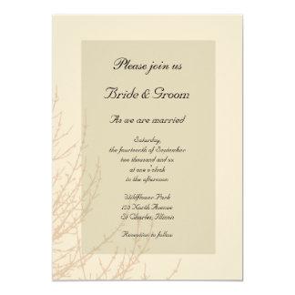 Las ramas de la naturaleza que casan la invitación