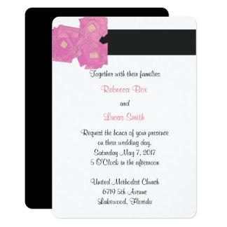 Las rayas rosadas/la celebración floral del boda invitación 12,7 x 17,8 cm