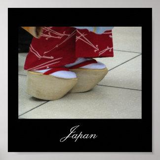 Las sandalias del geisha. Japón Póster