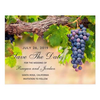 Las uvas en vides ahorran la tarjeta de fecha