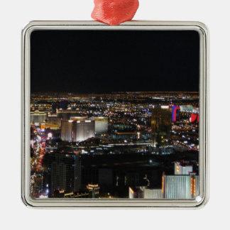 Las Vegas en la noche Adorno Cuadrado Plateado