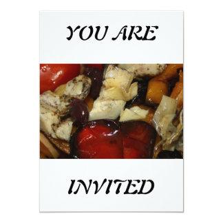 Las verduras de la carne asada USTED ES invitación