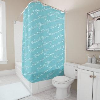 Lave su turquesa ausente de la cortina de ducha de