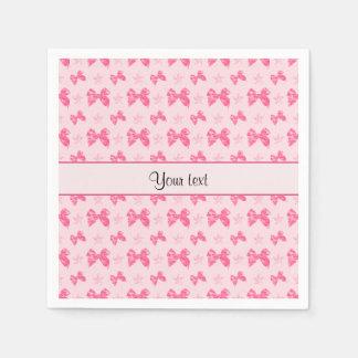 Lazos de satén rosados hermosos servilleta desechable
