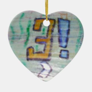 Le hizo califican únicamente su existencial adorno navideño de cerámica en forma de corazón