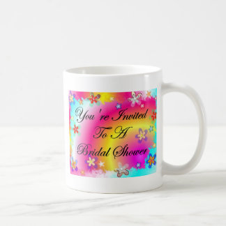 Le invitan a una ducha nupcial taza de café