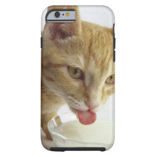 Leche de consumo del gato funda para iPhone 6 tough