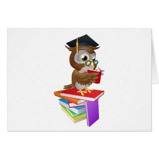 Lectura sabia del búho tarjeta de felicitación