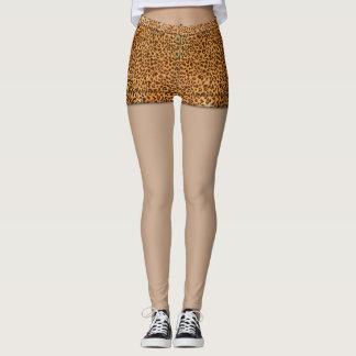 Falsas polainas del monograma de los shorts del