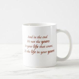 Lema de la felicidad de las tazas de café de los
