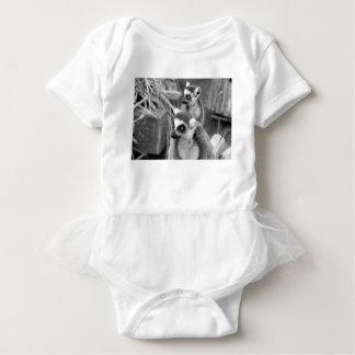 lemur Anillo-atado con el bebé blanco y negro Body Para Bebé