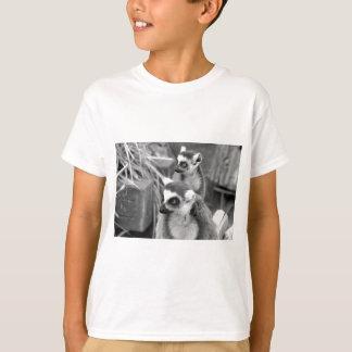 lemur Anillo-atado con el bebé blanco y negro Camiseta