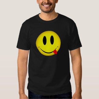 Lengua sonriente de la cara camisas