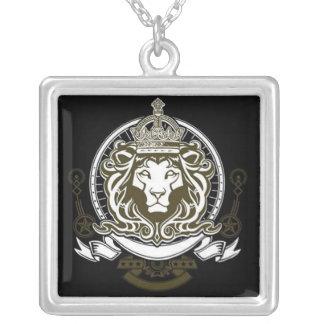 León de Judah - collar cuadrado