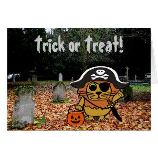 León en traje del pirata en un cementerio tarjeta de felicitación