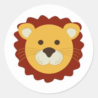 León juguetón etiqueta redonda