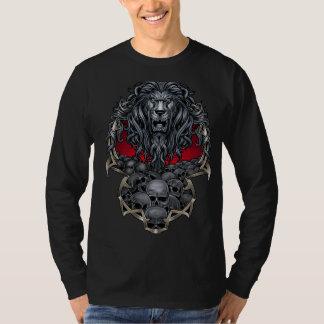 León y cráneos camiseta