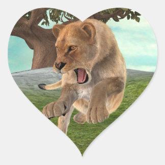 Leona de la caza pegatina en forma de corazón