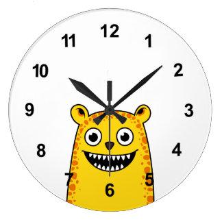 Leopardo feliz reloj redondo grande