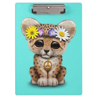 Leopardo lindo Cub del Hippie Carpeta De Pinza