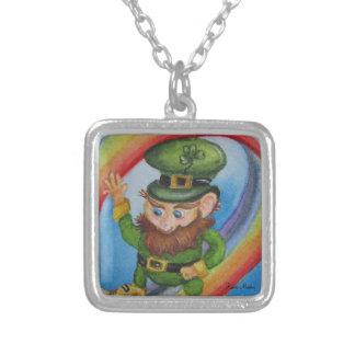 Leprechaun St Patrick Sq plateado del collar