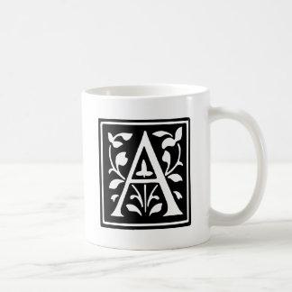 Letra adornada A de la tipografía Taza