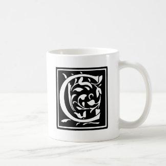 Letra adornada C de la tipografía Taza Clásica