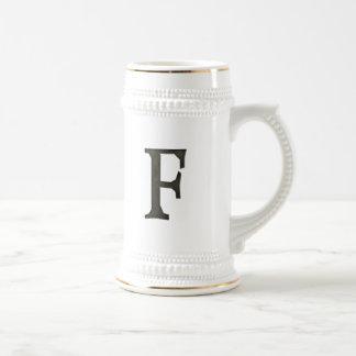 Letra concreta F del monograma Jarra De Cerveza