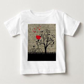 Letra de amor camiseta de bebé