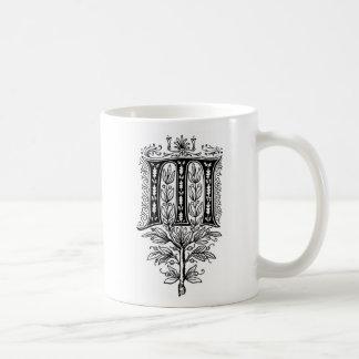 Letra de lujo elegante del monograma M Taza Básica Blanca