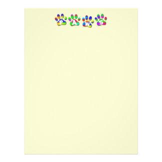 Letra de Pawprints del color del arco iris de las Folleto 21,6 X 28 Cm