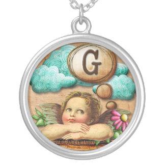letra inicial G de la querube del ángel de las ilu Collar Plateado