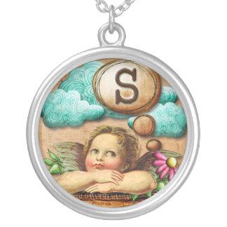 letra inicial S de la querube del ángel de las ilu Collar Plateado