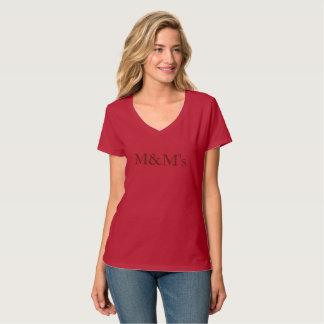 letras rojas del chocolate de la camiseta que