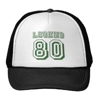 Leyenda en 80 gorras