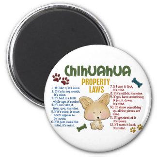 Leyes 4 de la propiedad de la chihuahua imán redondo 5 cm