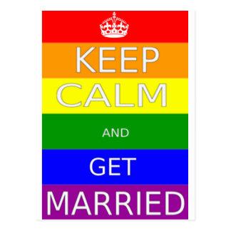 LGBT - El matrimonio homosexual guarda calma y Postal