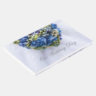 Libro De Visitas Día de boda del ramo de la flor azul y blanca