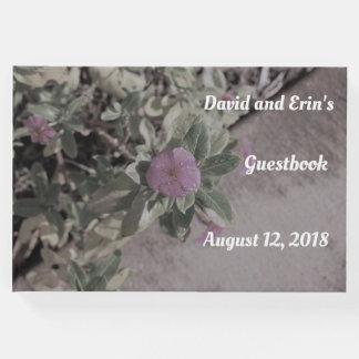Libro De Visitas Guestbook floral púrpura del boda