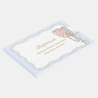 Libro De Visitas La mano del bebé del bautismo con el rosario gotea