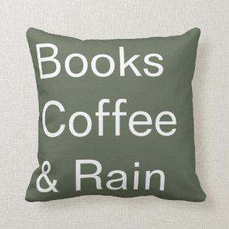 Libros café y lluvia cojín decorativo