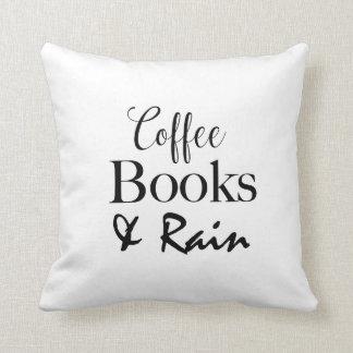Libros del café y almohada de tiro de la lluvia