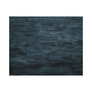 Lienzo Agua tempestuosa del océano hacia fuera en la
