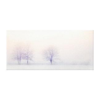 Lienzo Árboles minimalistas elegantes del invierno en