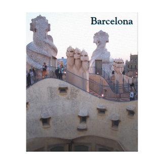 Lienzo Casas Mila de Barcelona de Antonio Gaudi