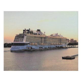 Lienzo De Imitación Alba del puerto de Nassau con el barco de cruceros