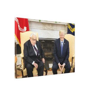 Lienzo Donald Trump con Henry Kissinger