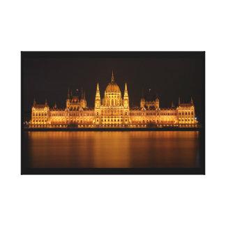 Lienzo Edificio del parlamento en Budapest en la noche
