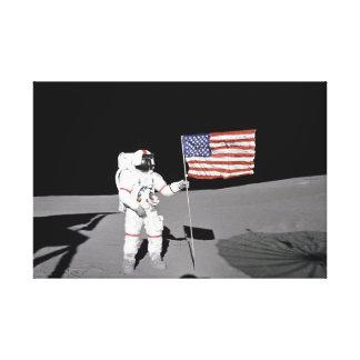 Lienzo El astronauta hace una pausa la bandera de los