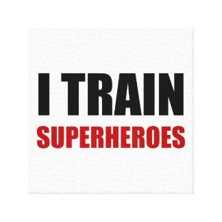 Lienzo Entreno a super héroes